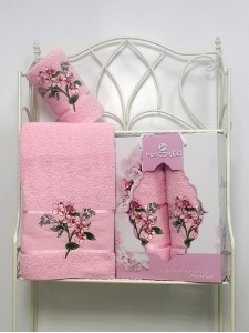 8978 Светло-розовый SAKURA GARDEN (50х80+70х130 ) в коробке Набор полотенец MERZUKA