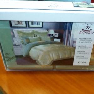 Комплект постельного белья m-18 евро сатин-жаккард с вышивкой Retrouyt