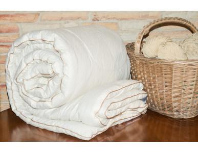 Одеяла с наполнителем из шерсти