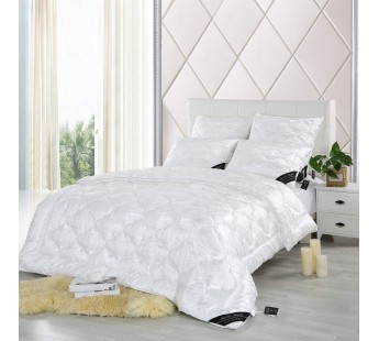 Одеяло с наполнителем шелк Black Diamond 195х215